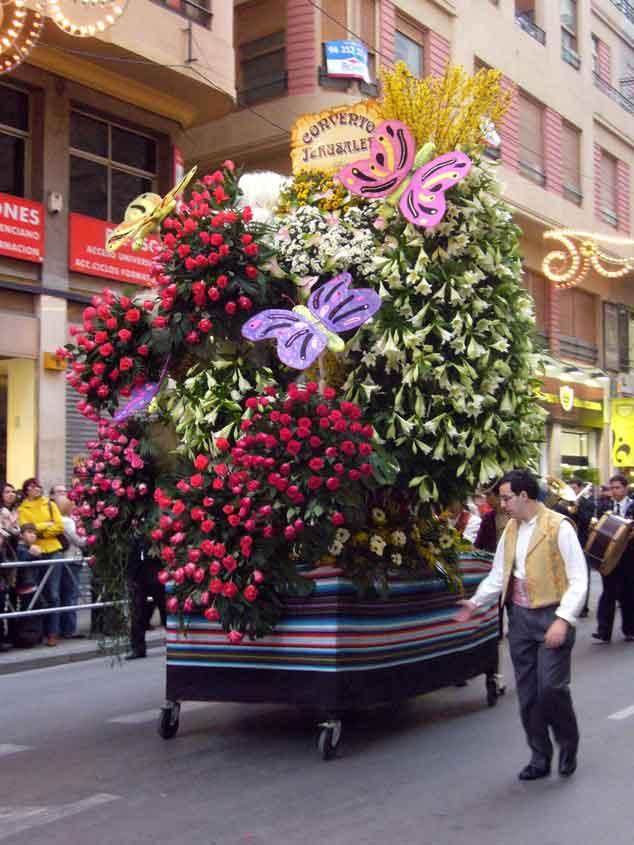 ofrenda de flores a la virgen de los desamparados fallas de valencia